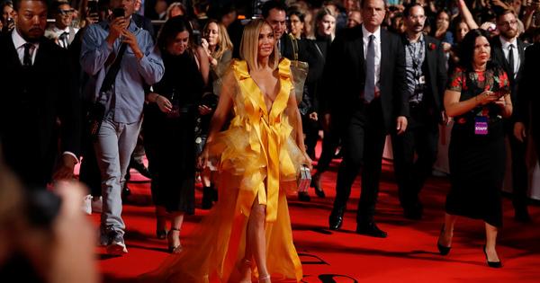 """Световната премиера на новия филм на Дженифър Лопес """"Да свалиш"""