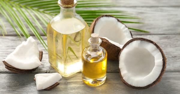 Кокосовото масло е богат източник на хранителни вещества за цялото