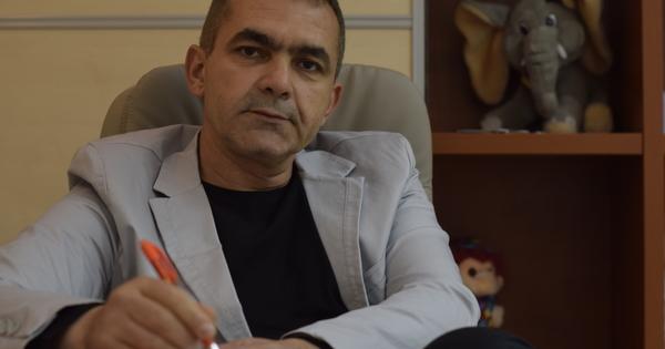 Д-р Веселин Христов е лекар с квалификация и над 10-годишен