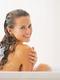 Как да мием косата, за да е здрава и блестяща