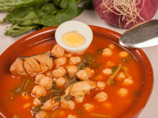 Пилешка супа с нахут