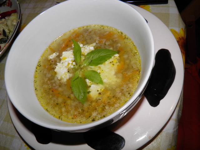 Супа със сирене и елда