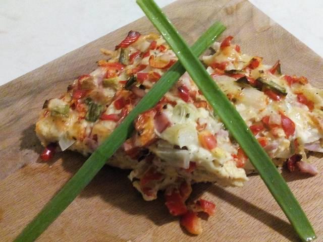 Домашна пица с хляб и цветна плънка
