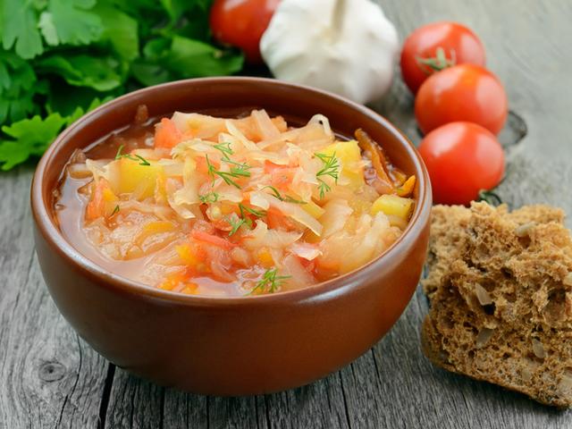 Супа със зеле и домати