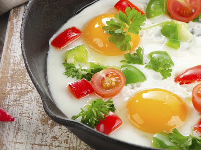 Яйца в гювечета