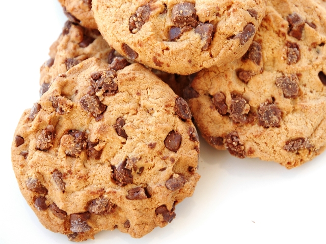 Домашни бисквити с шоколадови парченца