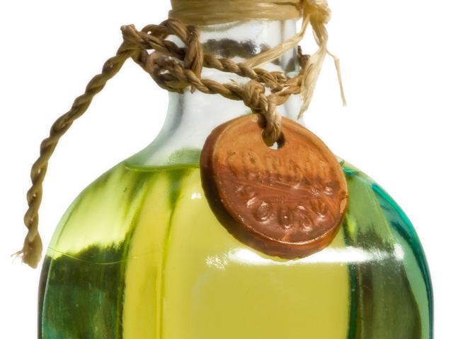 Бутилка с олио Снимка: Sxc.hu