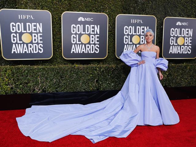 Лейди Гага в тоалет на Valentino Haute Couture. Снимка: Reuters