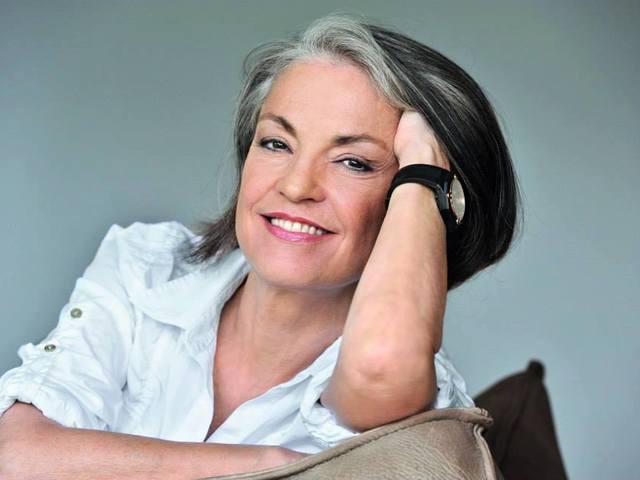 Бенита Кантиени, автор на книгата