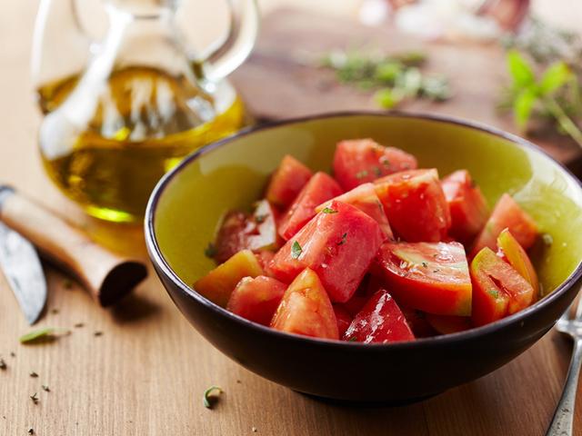 Салата с домати и розмарин
