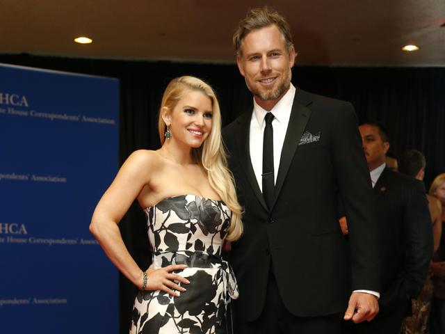 Джесика Симпсън и съпругът ѝ Ерик Джонсън. Снимка: Reuters