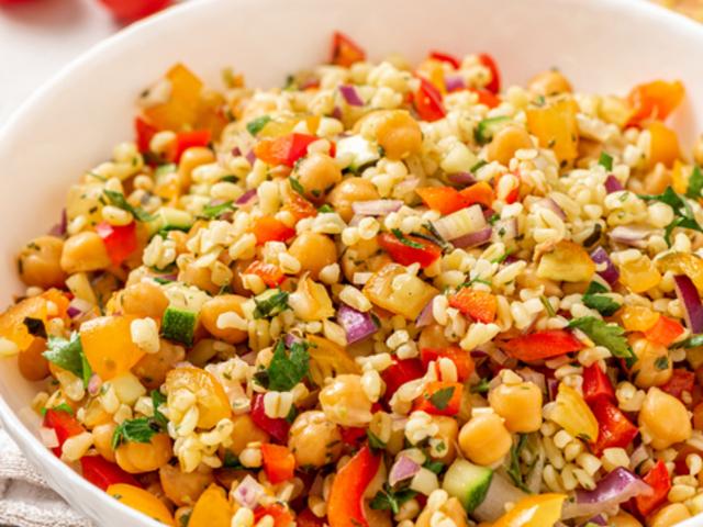 Салат из кабачков и нута
