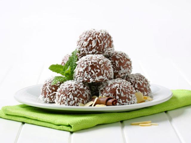 Здравословни кокосови топчета
