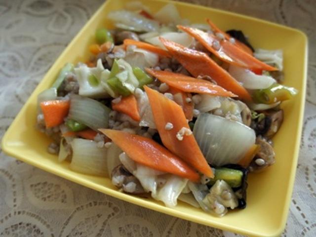 Елда със зеленчуци по китайски