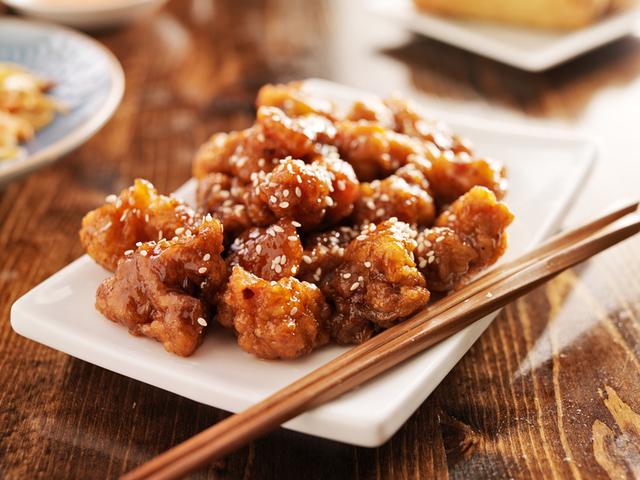 Пържено-печени пилешки бонфиленца със сусам