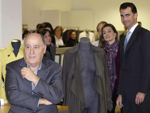 Амансио Ортега в компанията на крал Фелипе VI и кралица Летисия. Снимка: Reuters
