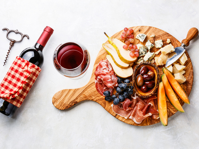 10 мезета за червено вино
