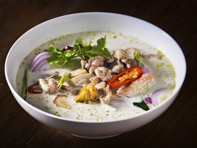 Супа с гъби и пилешко