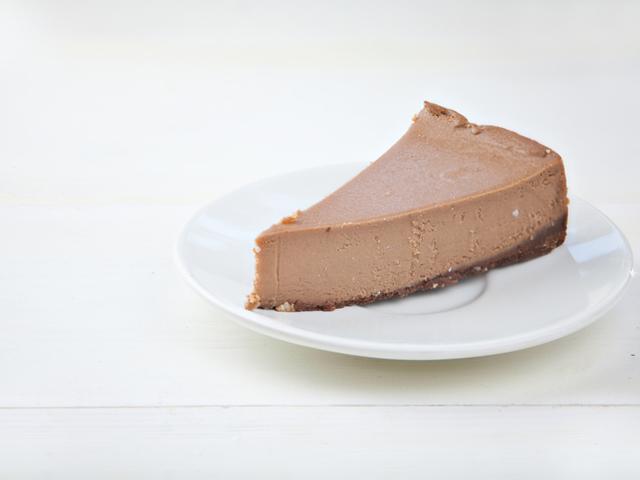 Какаов чийзкейк без захар и без печене