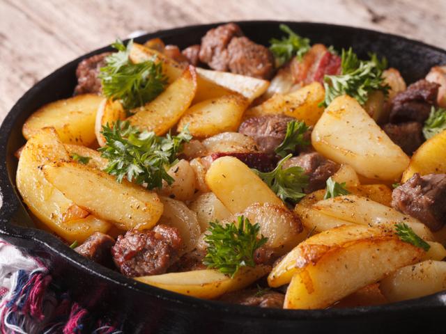 Картофи соте с бекон