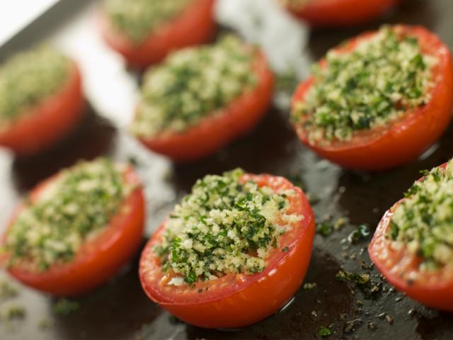 Пълнени домати с гъби и кашкавал