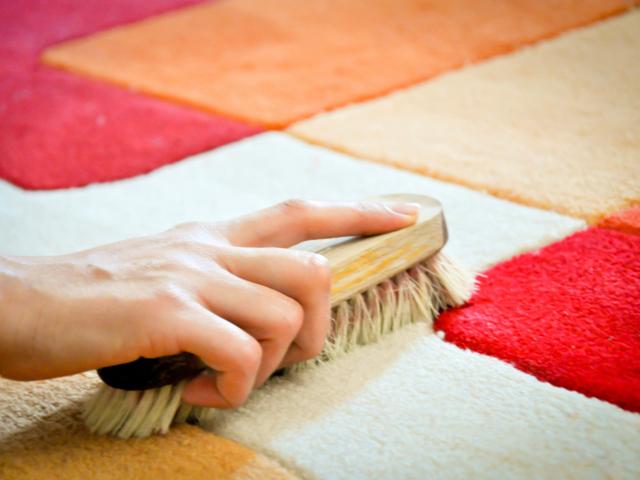Как и чем чистить ковролин в домашних  183