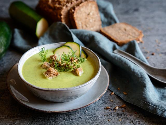 Крем супа с тиквички и картофи