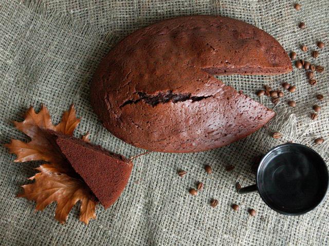Кекс с разтворимо кафе и сироп