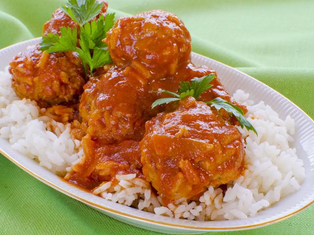 Кюфтенца от телешко месо с ориз – яхния