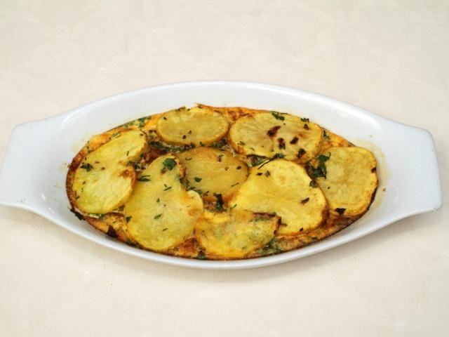 Картофена запеканка със сирене и масло