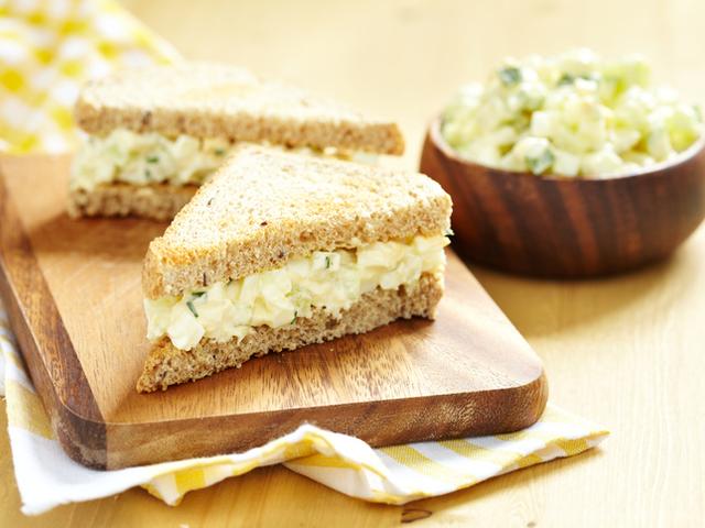 Яйчена салата за сандвичи