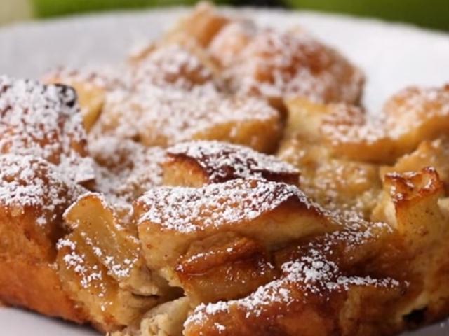 Ябълков крамбъл ала френски тост