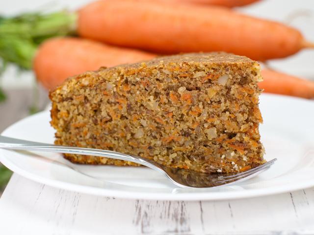 Вегетариански морковен кекс с орехи