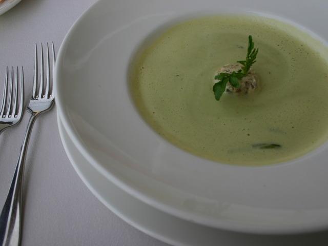 Крем супа от аспержи и картофи