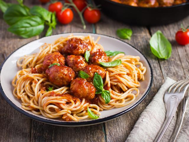 Италиански кюфтенца в доматен сос