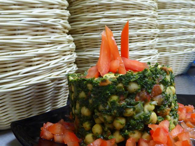 Спанак с нахут и домати