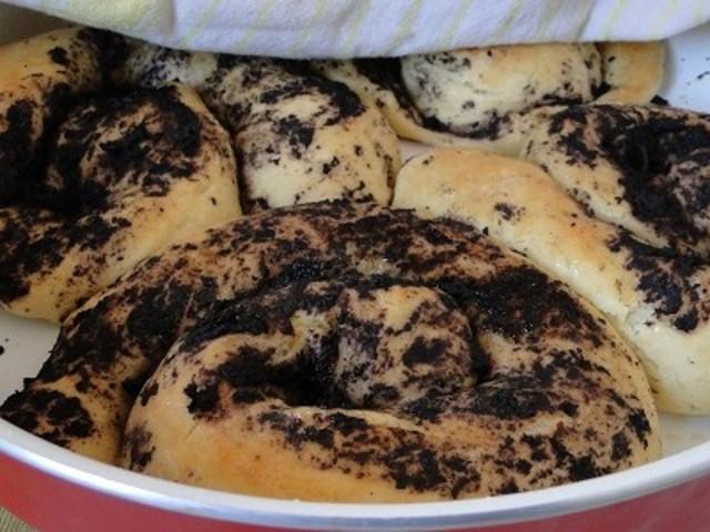 Домашен хляб с маслинова паста