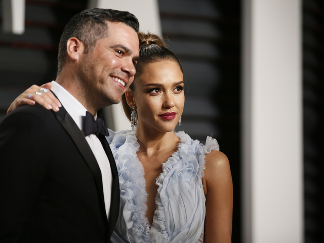 Джесика Алба и съпругът й Кеш Уорън. Снимка: Reuters