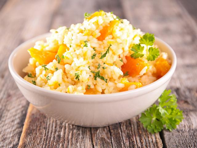 Ориз с моркови и печени орехи