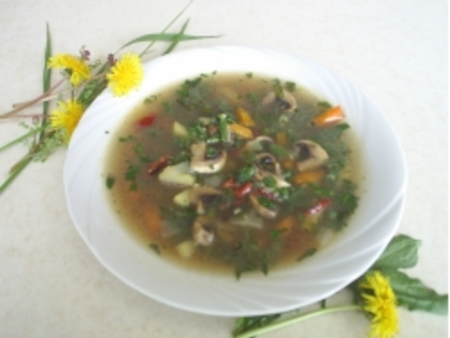 Пролетна супа със свежи зелении