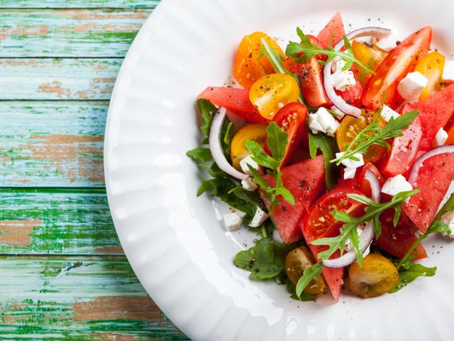 Лятна салата с домати и диня