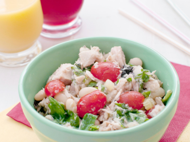 Бобена салата с риба