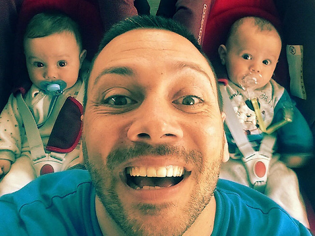 Лео и прекрасните близнаци Матия и Николо. Снимка: личен архив