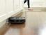 Модерните жени вече не се занимават с чистене на пода