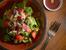 Салата с маруля, ягоди, нар и филиран бадем