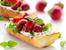 Летни брускети с ягоди и рикота
