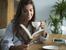 Признаците, че трябва да намалите кафето