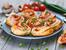 Рулца с бутертесто, шунка и сирене