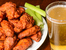 Пилешки крилца с медено-пикантен сос