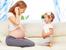 По какво си приличат бременните с малките деца?